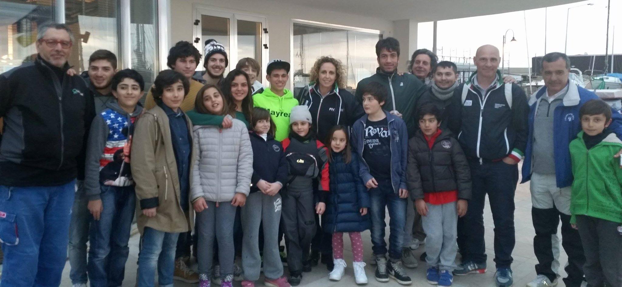 Alessandra Sensini e Chicco Caricato con istruttori ed atleti della Lega Navale Crotone
